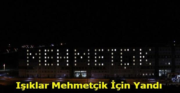 Işıklar Mehmetçik İçin Yandı