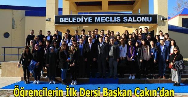 Öğrencilerin İlk Dersi Başkan Çakın'dan
