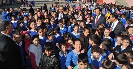 """Vali Seddar Yavuz, """"Çocuklarımızın hem iyi eğitim almalarını hem de sağlıklı beslenmelerini istiyoruz"""""""